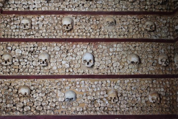 algarve capela dos ossos